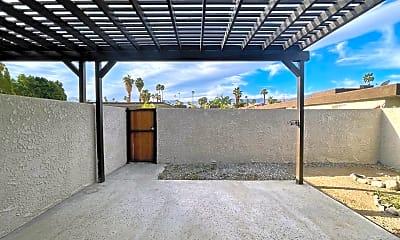 Living Room, 73625 Catalina Way, 2