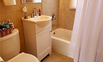 Bathroom, 808 Jewell Ave, 1