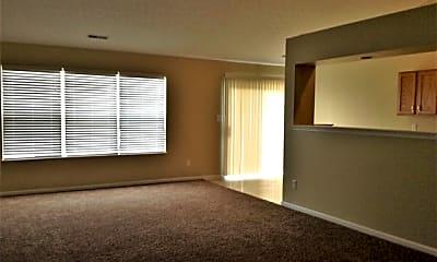 Living Room, 32 Meadowcrest Drive, 1