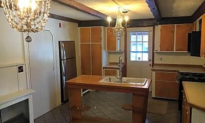 Bathroom, 693 White Mountain Hwy, 1