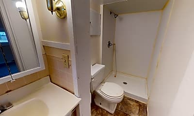 Bathroom, 1540 1st St, 1