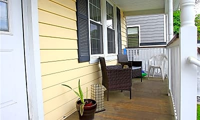 Patio / Deck, 110 Forest St 3, 1
