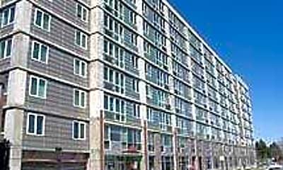 Broadway Plaza Lofts, 1