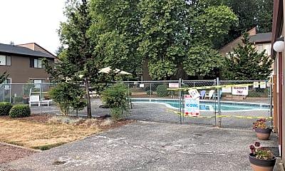 Springbrook Gardens, 2