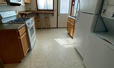 Kitchen, 1447 NW Kingston Ave, 2
