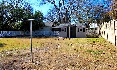 Building, 1236 S Academy Ave, 2