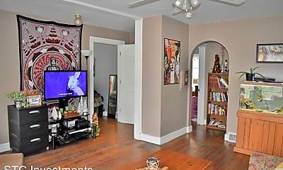 Living Room, 408 W Calhoun St, 1