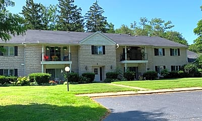 Greenleaf Manor, 0