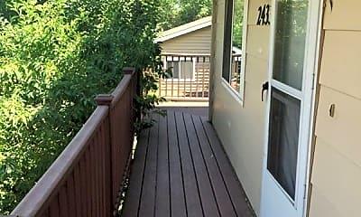 Patio / Deck, 2433 Crabtree Dr, 1