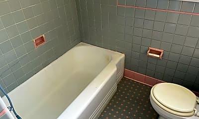 Bathroom, 2644 Arnold Dr, 2