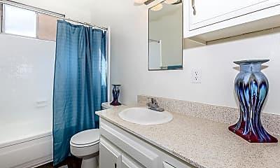Bathroom, Orleans Apartment homes, 2