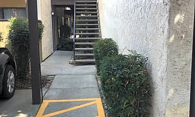 Oak Garden Apartments, 0