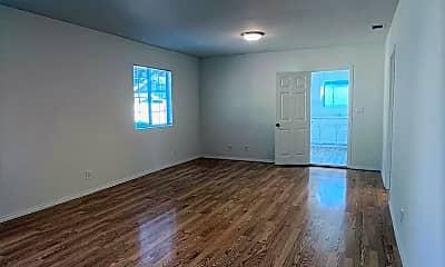 Living Room, 1302 E Acacia Ave Apt A, 0