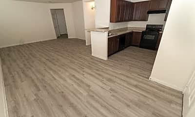 Living Room, 3902 Calgary Cir, 1