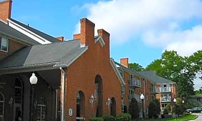 Douglas Commons, 1