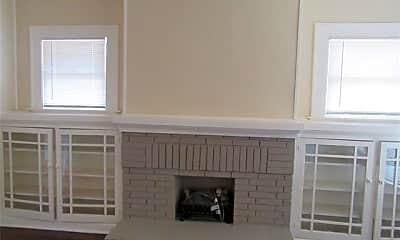 Kitchen, 5602 Tremont St 3, 1