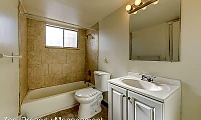Bathroom, 7100 Stuart St, 2