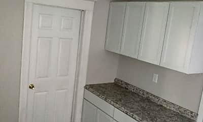 Kitchen, 422 Eastern Ave, 1