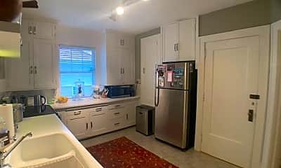 Kitchen, 1501 Summit Ave, 1