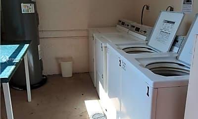 Kitchen, 9480 Tangerine Pl 404, 2