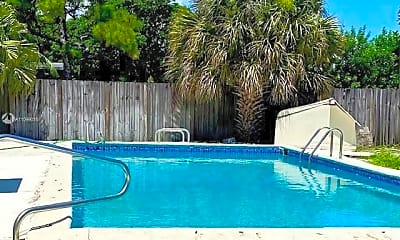 Pool, 1008 NW 11th Ct, 2