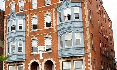 154 Westland Street Apartments, 1