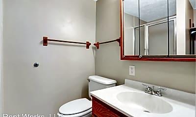 Bathroom, 904 Swallow Crest Ct, 1