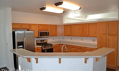 Kitchen, 3370 Glacier Ct, 1