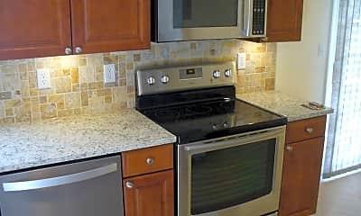 Kitchen, 2469 Sutter Pkwy, 1