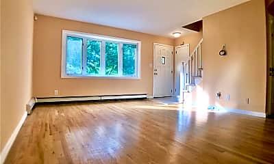 Living Room, 18 Boblee Ln, 1