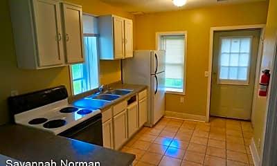 Kitchen, 924 E 6th St, 0
