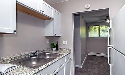 Kitchen, 710 Chalfonte Pl, 2