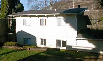 Building, 2445 Willamette Falls Dr, 2