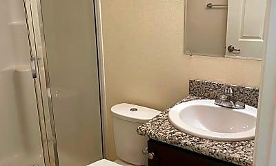 Bathroom, 4720 NE Glisan St, 2