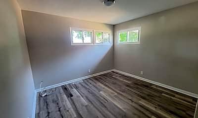 Living Room, 1308 Chestnut St, 2