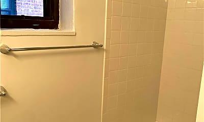 Bathroom, 12 Welwyn Rd 2H, 2