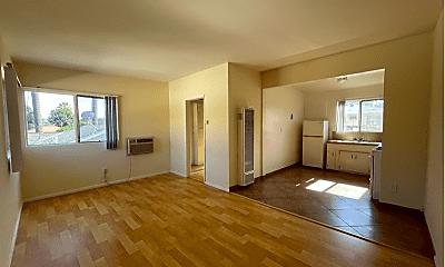 Living Room, 14207 Sylvan St, 0