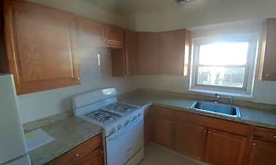Kitchen, 840 Franklin Ave, 1