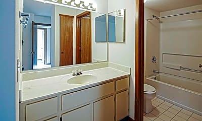 Bathroom, Parkside At Estabrook, 2