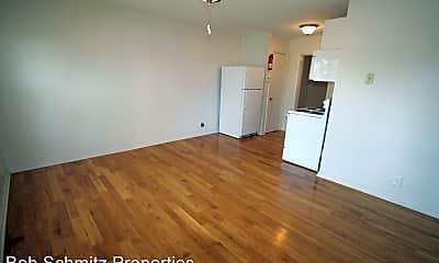 Living Room, 1212 W Chapel Hill St, 1
