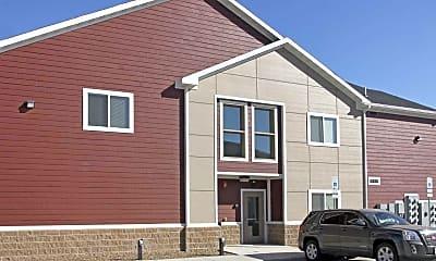 Building, Crest View Apartments, 2