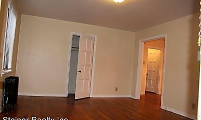 Bedroom, 131 Edgewood Ave, 1