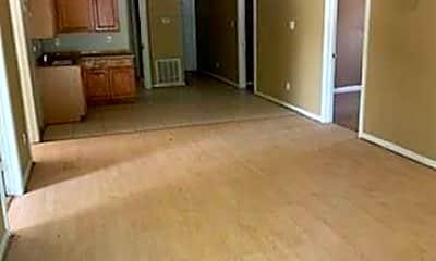 Living Room, 321 N Ruddell St, 2