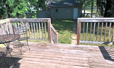 Patio / Deck, 3045 Wentworth Ave, 2