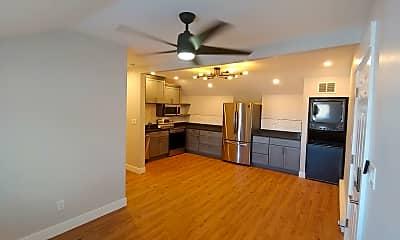 Kitchen, 4415 S Broadway, 1