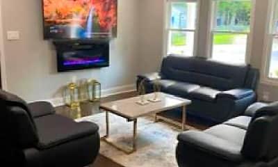 Living Room, 1690 Woodland Ave SE, 1