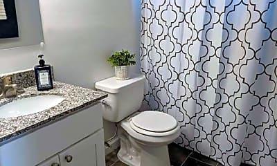Bathroom, 1424 Passey Ln, 1
