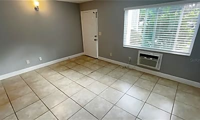 4133 Dolphin Dr 4133, 1