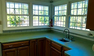 Kitchen, 912 Grandview Dr SE, 2