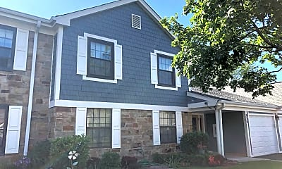 Building, 552 Greystone Ln, 2